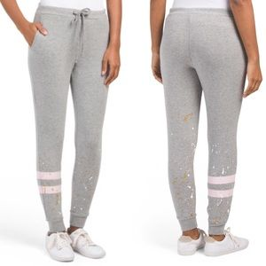 [Chaser] 'Girls Can Do Anything' Jogger Sweatpants